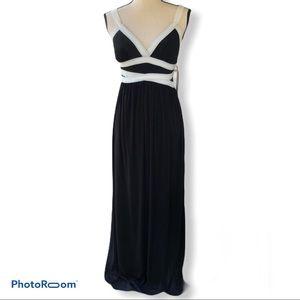 Sofia Vergara   Mack & White Maxi Dress